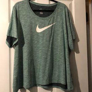 Nike Swoosh Dri Fit T-shirt